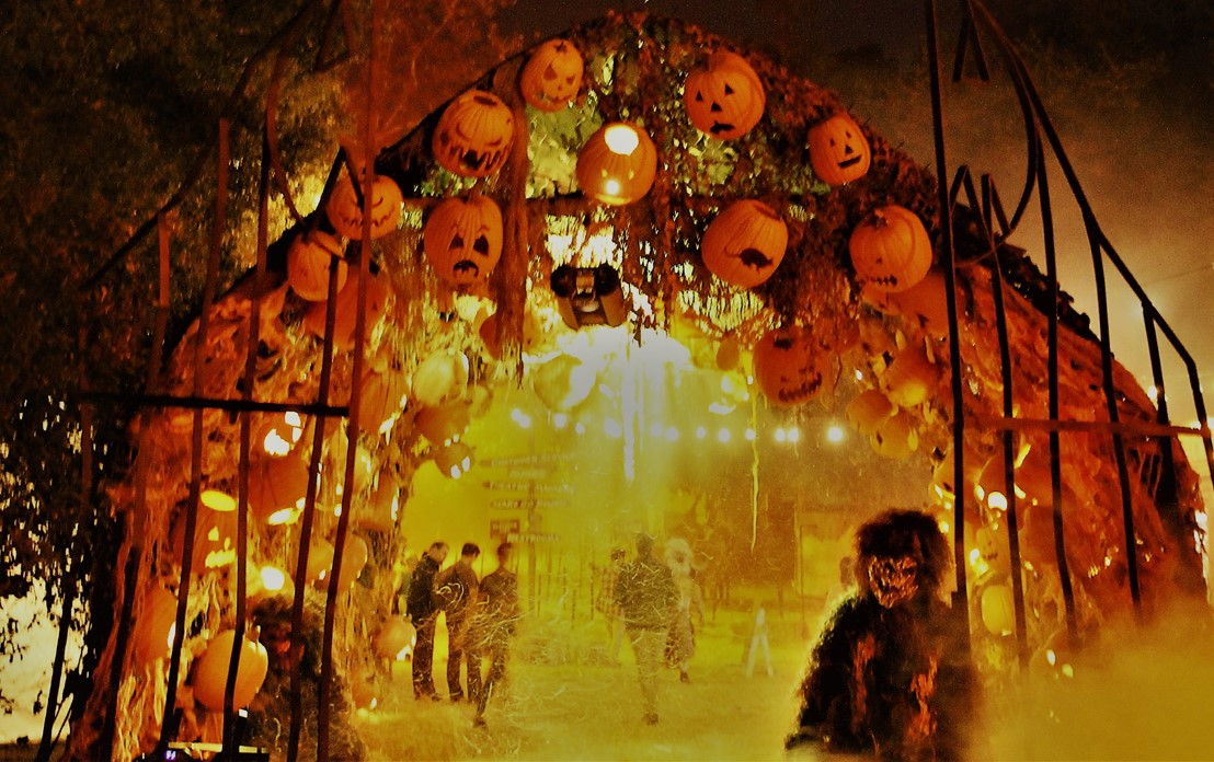 Los Angeles Haunted Hayride 2018 Review Photograph copyright 2018 by Warren So