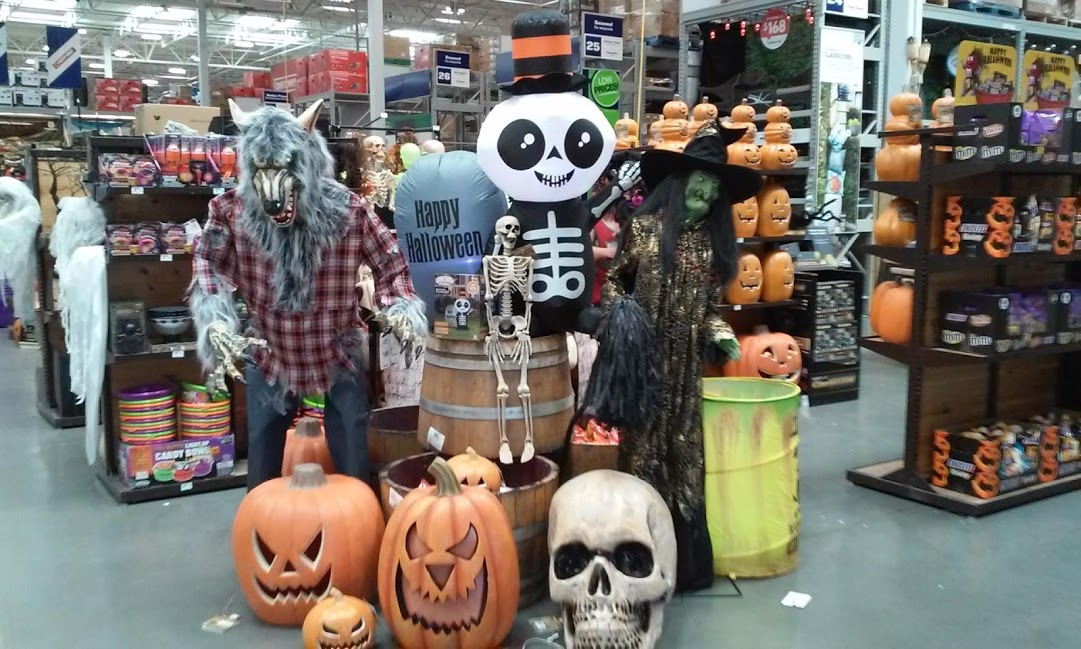 Lowe's Home Improvement Halloween 2019